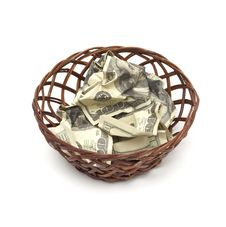 Free A Wicker Basket With Handle Holds Royalty Free Stock Photography - 13721057