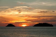 Free Sun Go Down Between Two Islands Royalty Free Stock Photos - 13721398