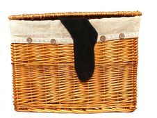 Free Laundry Basket Royalty Free Stock Image - 13723326