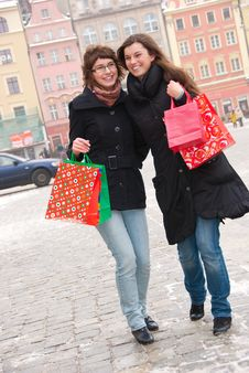 Two Happy Girls Fter Shopping Stock Photography