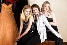 Free Mother And Daughters Royalty Free Stock Image - 13725426