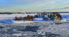 Free Icy Baltic Sea Helsinki Stock Images - 13725904