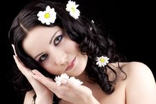Free Beautiful Woman With Camomile Flower Royalty Free Stock Photo - 13726125