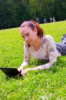 Free Young Girl  With Laptop Stock Photos - 13729303