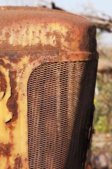 Free Rusted Tractor Hood Stock Images - 13731494