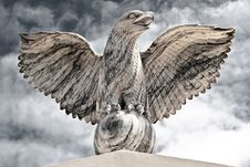 Free Victorious Eagle Of Marble Royalty Free Stock Photography - 13732177