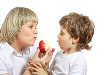 Free Woman And Boy Eating Apple Royalty Free Stock Photos - 13732848