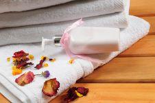 Free Bath Towel. Stock Photos - 13733223