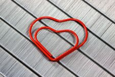 Free Red  Paper Clip In Heart Shape Royalty Free Stock Photo - 13733585