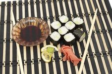 Free An Image Of A Set Of Sushi Stock Photo - 13734020