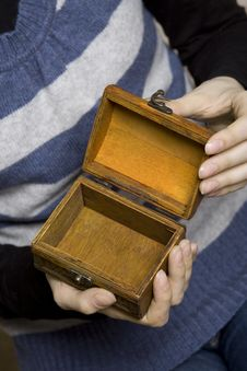 Free Hands Holding A Decorative Wooden Box Royalty Free Stock Images - 13735109