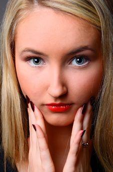 Free Beautiful Stylish Blonde Stock Photo - 13737100