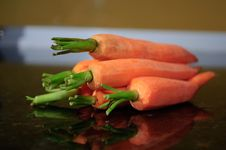 Free Carrots Royalty Free Stock Image - 13737416