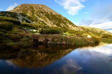 Free Mountain Lake Stock Photography - 13746092