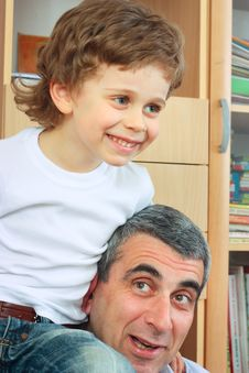 Free Child And Grandfather Royalty Free Stock Photo - 13746265