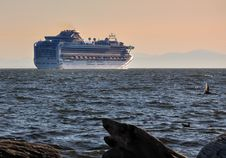 Free Cruise Ship In The Burrard Inlet, Vancouver Stock Photography - 13749422
