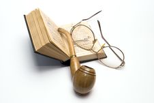 Free Brier, Book And Glasses Stock Photography - 13750172