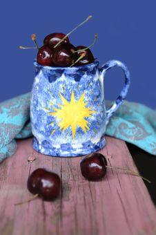 Free Sweet Cherries Stock Images - 13750974