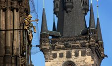Free Skeleton In Old Square Of Prague Royalty Free Stock Photography - 13751637