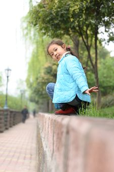 Free Cute Little Asian Girl Royalty Free Stock Image - 13752836