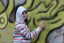 Free Teen Girl And Graffiti Stock Images - 13754254