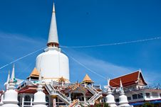 Free Buddhist Temple Royalty Free Stock Photography - 13756267