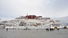 Free The Snow Of Potala Royalty Free Stock Photo - 13765435