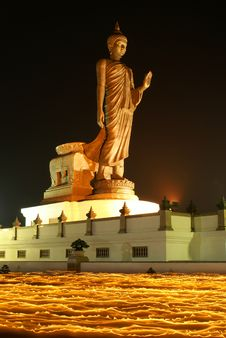Free The Buddha On Fire III Royalty Free Stock Photo - 13767385