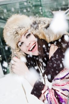 Free Smiling Young Woman Stock Photography - 13768632