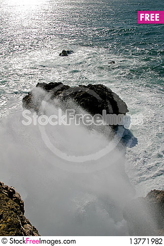 Free Big Wave Splash Stock Photography - 13771982
