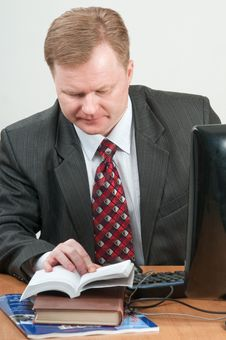 Free The Man And The Computer. Stock Images - 13774944