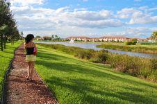 Free Walking Woman Stock Images - 13775984