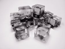 Free Ice Cubes Royalty Free Stock Photos - 13778468