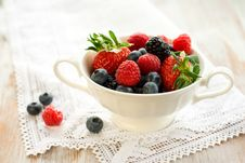 Free Fresh Berries Royalty Free Stock Photography - 13778717