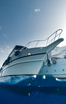 Free Low Angle View Of A Boat Royalty Free Stock Photos - 13780338