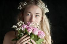 Free Bride Holding The Wedding Bouquet Stock Image - 13782691