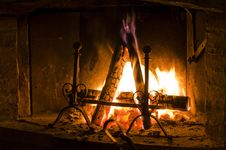 Free Lit Fireplace Stock Photos - 13784653