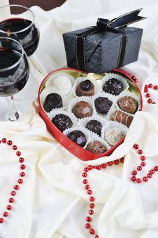 Wine And Chocolate Royalty Free Stock Images
