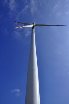 Free Wind Turbine Royalty Free Stock Images - 13788779
