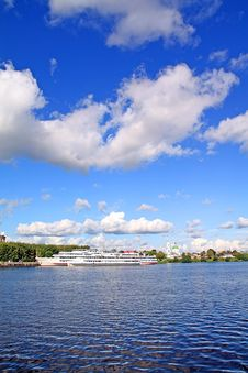 Free Motor Ship Royalty Free Stock Image - 13792406