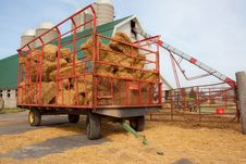 Free Hay Wagon Royalty Free Stock Photos - 13792968