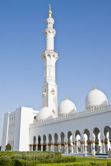Free Mosque Exterior Royalty Free Stock Images - 13794639