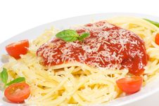Free Pasta With Tomato Sauce And And Basil Royalty Free Stock Photos - 13794898