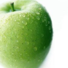 Free Green Apple With Drops Of Water Royalty Free Stock Photography - 13794987
