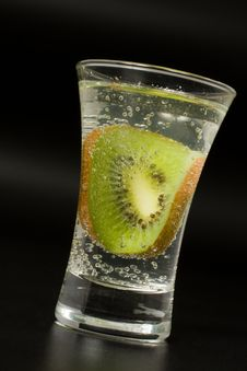 Free Cocktail Glass With Kiwi Royalty Free Stock Image - 13797196