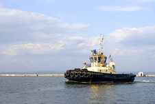Free Tugboat Is Moving In The Port Royalty Free Stock Photo - 13799055