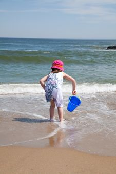 Free Kids Playing At The Beach Stock Image - 13799271