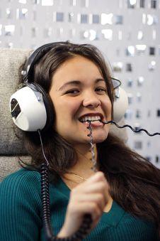 Free Headphone Woman Royalty Free Stock Photos - 1380008