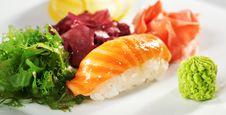 Free Salmon Sushi Royalty Free Stock Photos - 13801848