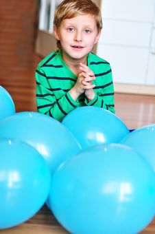 Free Boy With Blue Balloons Stock Image - 13801991